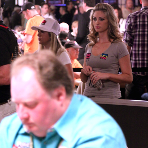 2010-wsop-me-day1-a-01