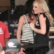 lacey-jones-michele-lewis-wsop-105