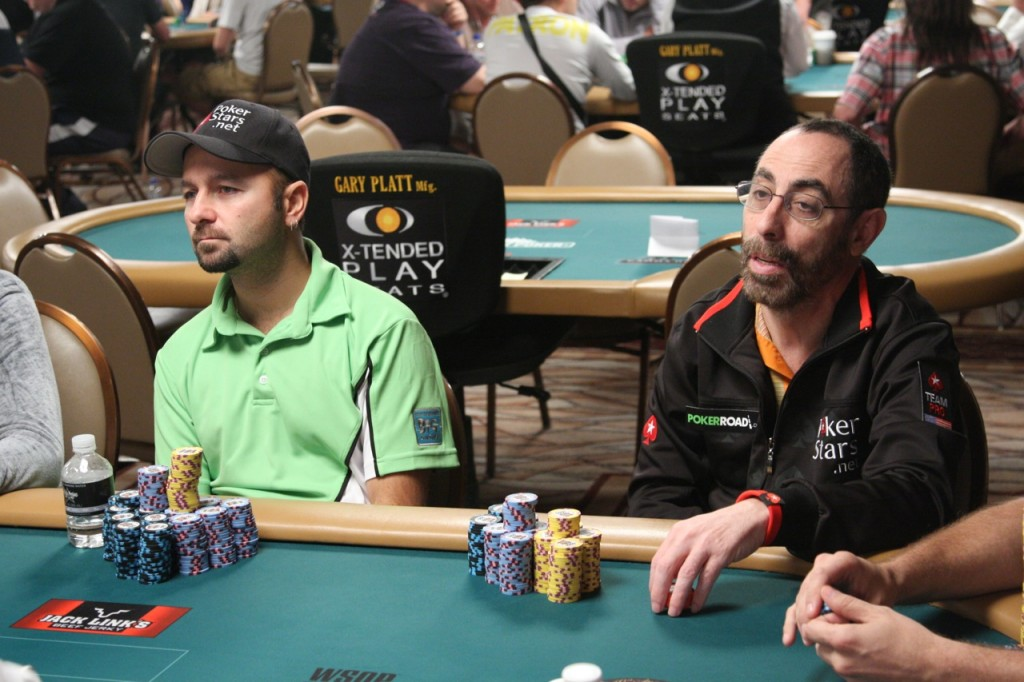 Daniel Negreanu and Barry Greenstein at the 2009 WSOP