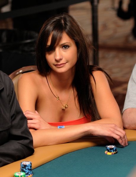 Hot foreign girl at the 2009 WSOP