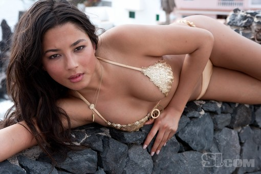 Jessica Gomes (above), a model from Australia who has appeared in the SI Swimsuit Issue, is of no relation to Alex Gomes, who won the WPT Bellagio Cup V.