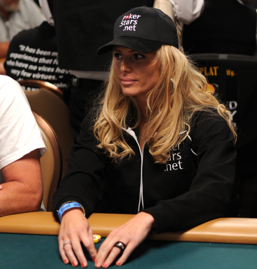 Torrie Wilson playing poker at 2009 WSOP
