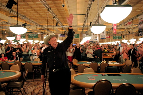 Doyle Brunson is greeted with wild applause as he announces his Poker Hall of Shame.