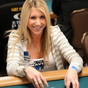 Lauren Kling is among, get this, SIX women remaining in the WPT LAPC Main Event.