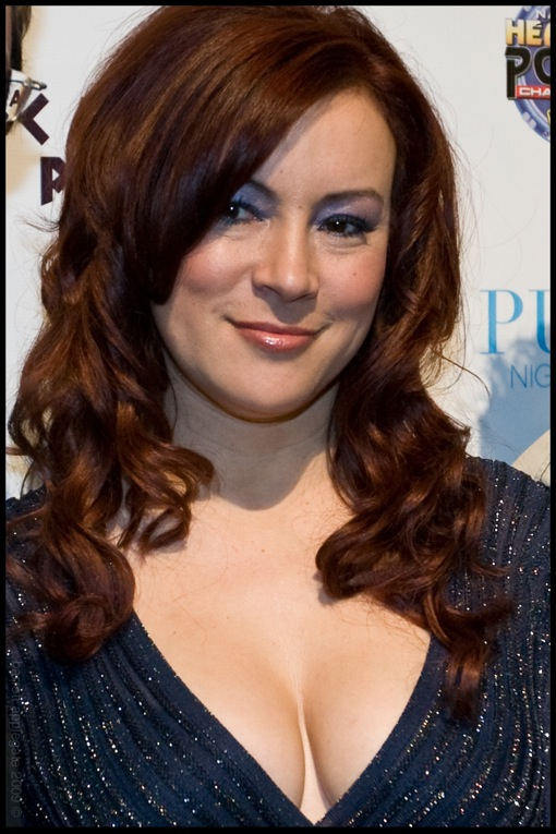 Jennifer Tilly Today Reminder: This Week In...