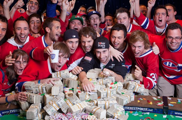 Jonathan Duhamel celebrates winning the 2010 WSOP Main Event